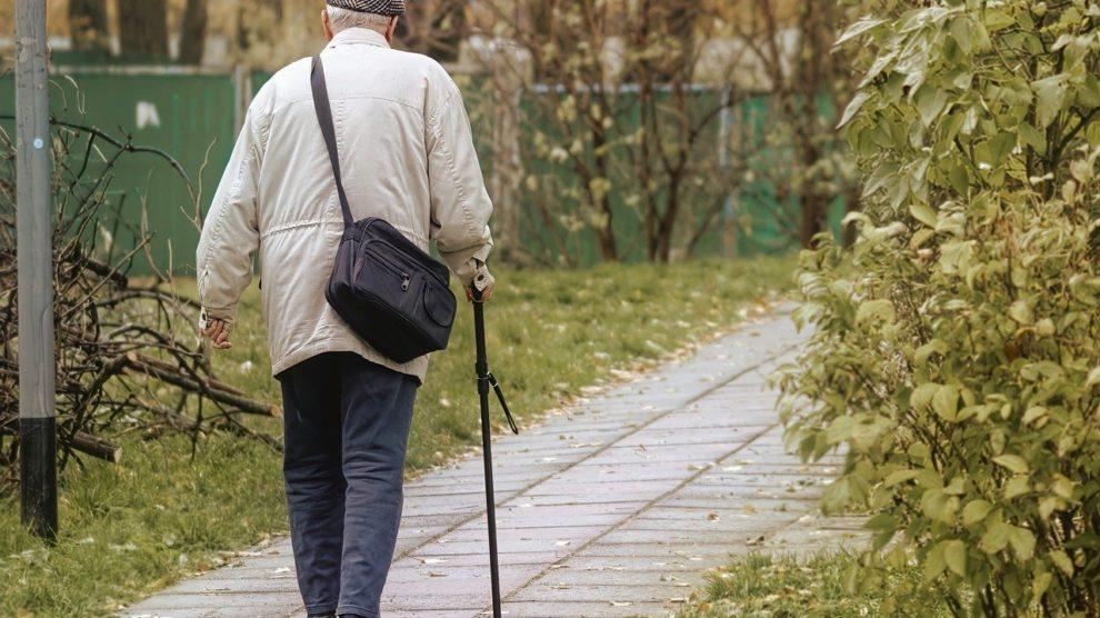 Fitness fuer Senioren – Alltagshilfsmittel im Haushalt
