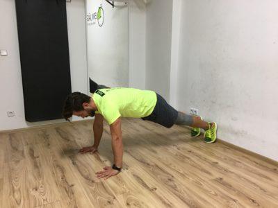 handstand-push-ups_01