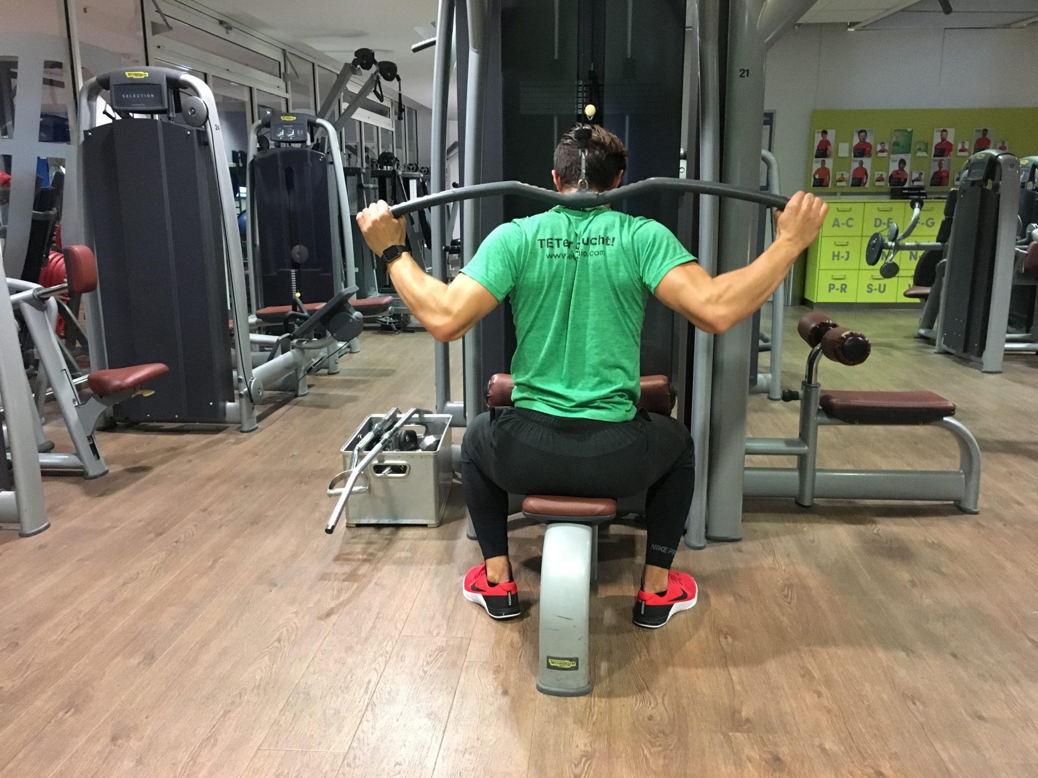 ᐅ Oberer Rücken Training - Top Übungen für Dein Rücken Workout!